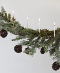 Ornamentti ruskea
